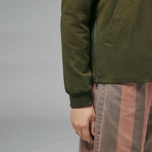 Ladies side zip jacket close-up sleeve style